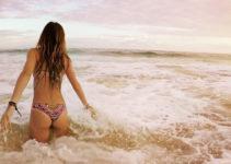 Bocas del Toro beach babe