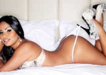 sexy Nica booty