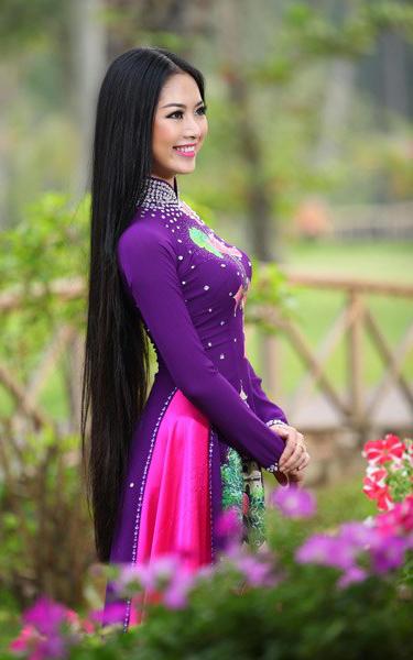 vietnamese women ao dai